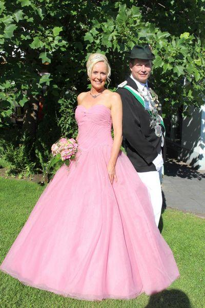 Ein Traum von einem Kleid: Schützenverein Bad Westernkotten